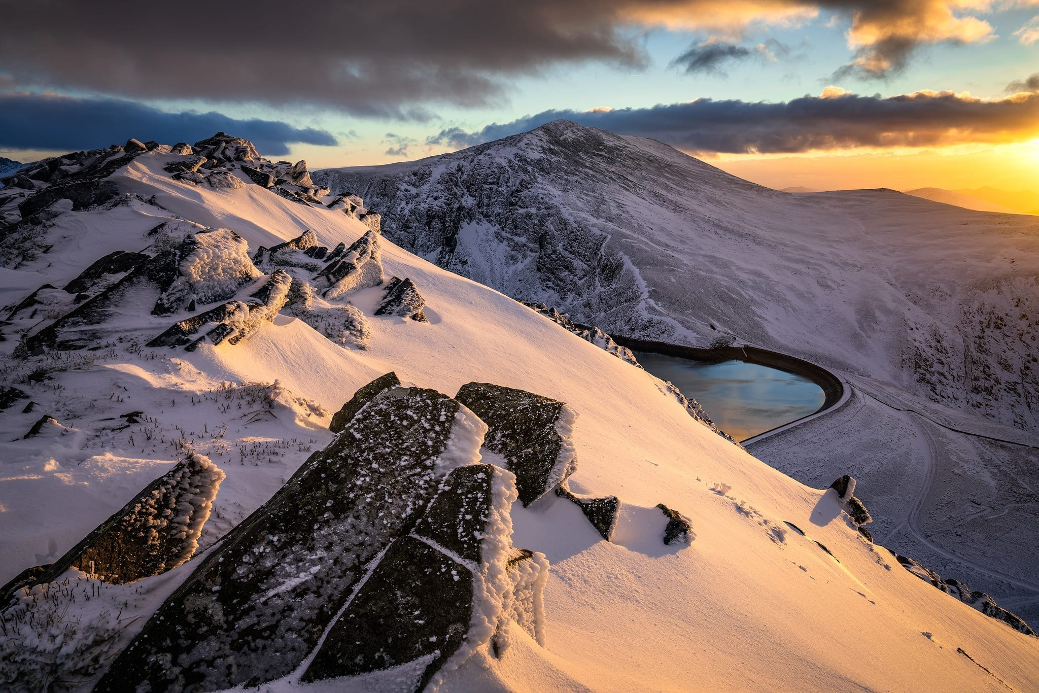 Carnedd Y Filiast Winter Sunset - Snowdonia Landscape Photography