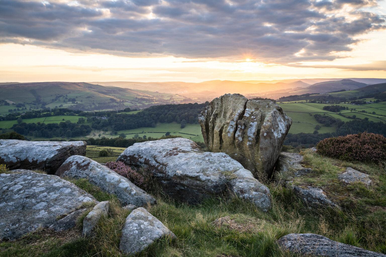 The Knuckle Stone – Carhead Rocks – Peak District Photography