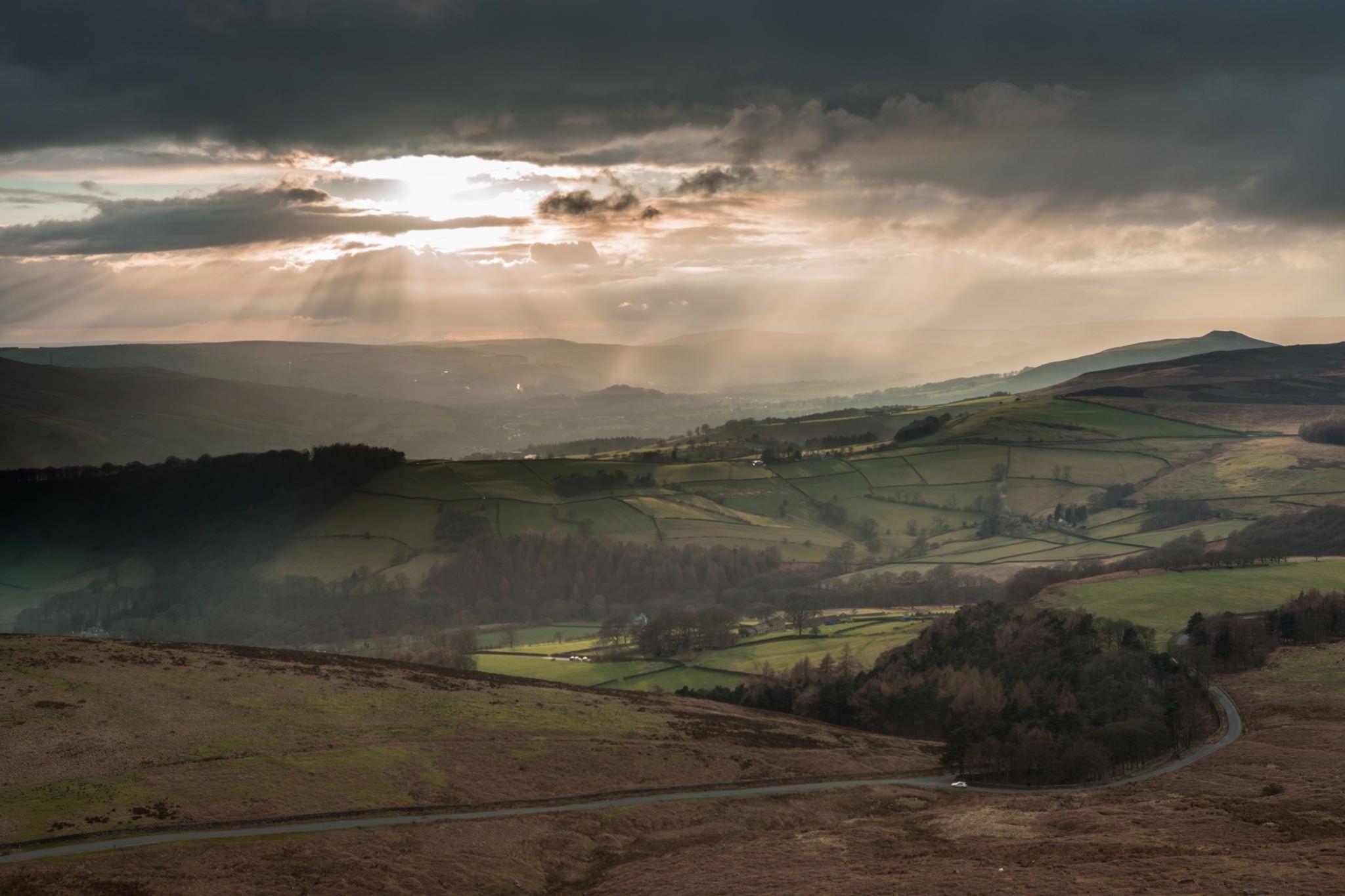 Hope Valley Rays and Rain - Delightful Dark Peak District Photography Workshop