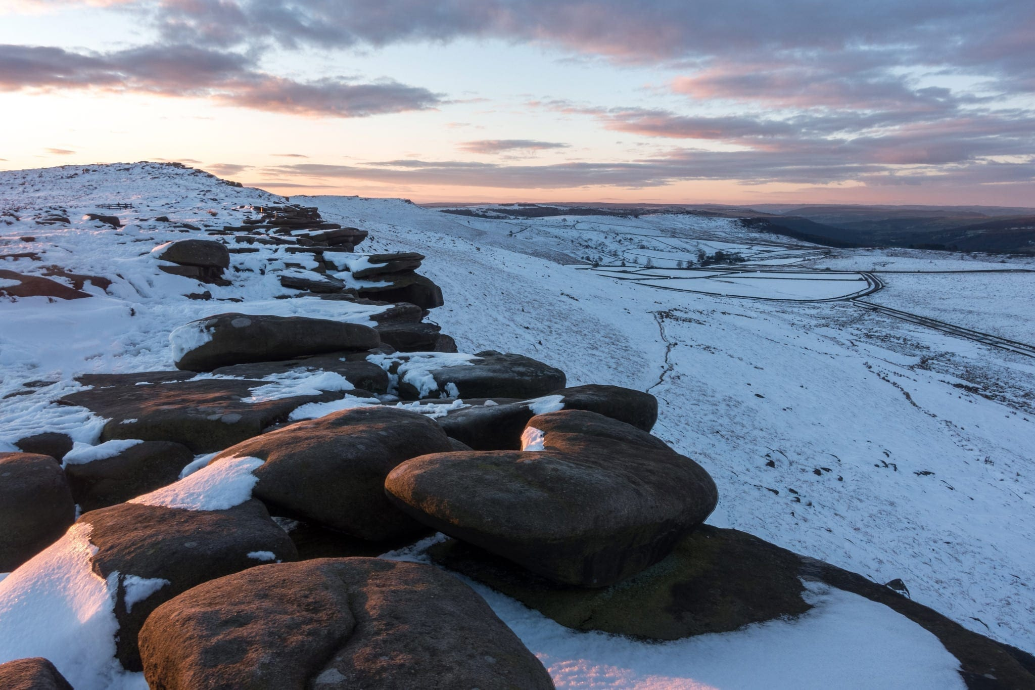 Stanage Edge Winter Sunrise - Peak District Photography Winter Workshop