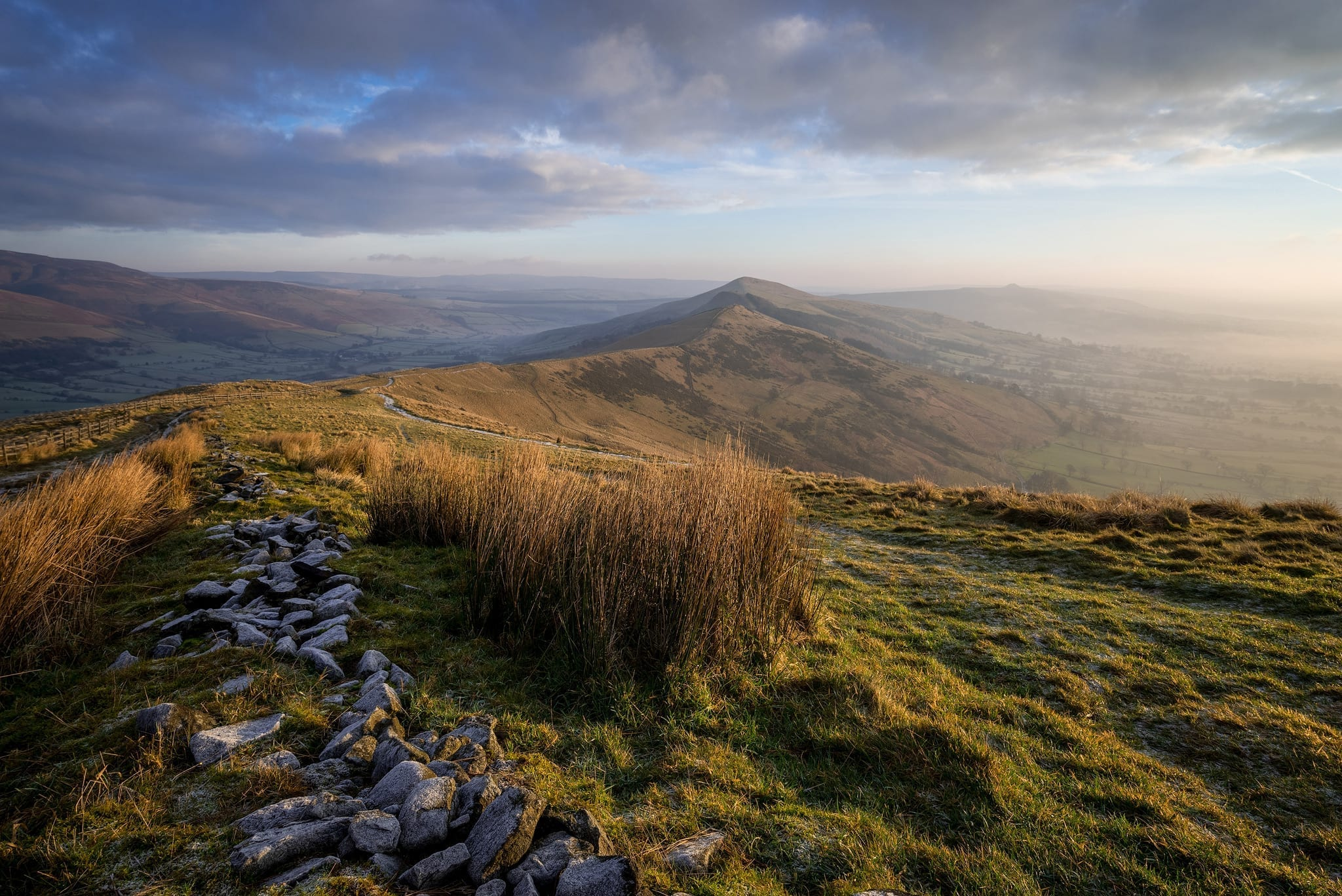 A winters sunrise on Mam Tor with frost and mist - Mam Tor Photography Location Guide